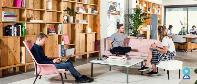 Top tips for introverts for better networking at coworking space