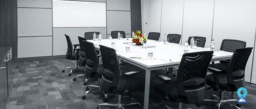 5 Must-Have Essential Items for Meeting Room